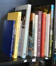 A PART SHELF OF AUSTRALIAN HISTORICAL REFERENCE, INCL. 'PIONEER AUSTRALIA' AND 'THE VOYAGES OF CAPTAIN COOK'.
