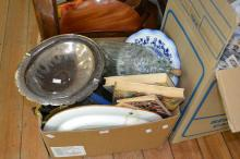 AN ASSORTED BOX OF ITEMS INCLUDING SPODE, BOOKS