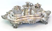 A EARLY SHEFFIELD PLATE DOUBLE INK WELL WITH MARRIED STERLING SILVER MOUNT TO ONE PIECE (SLIGHT CRACK TO GLASS)