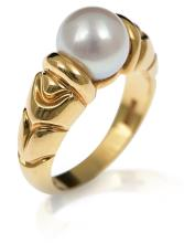 A PEARL RING BY BULGARI
