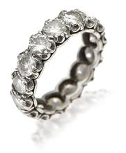 A FULL CIRCLE DIAMOND ETERNITY RING
