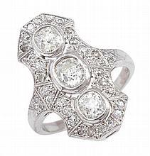 AN ART DECO STYLE DIAMOND PLAQUE RING