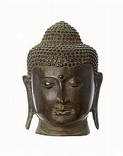 A CAST BRONZE BUDDHA HEAD, IN THE CHIANGSANG MANNER BUT 20TH CENTURY