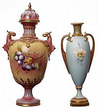 TWO EARLY 20TH CENTURY ROYAL WORCESTER PORCELAIN VASES