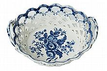 A WORCESTER DR WALL BLUE AND WHITE PORCELAIN BASKET WORK DISH, CIRCA 1780