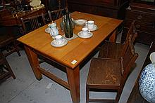 AN EARLY PINE KITCHEN TABLE, 90 x 75 x 122
