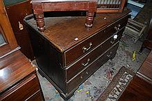 A THREE DRAWER MAHOGANY GEORGE III CHEST OF DRAWERS WITH BRASS HANDLES, 110 x 83 x 57