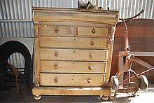A VICTORIAN SEVEN DRAWER CHEST OF DRAWERS, 119 x 145 x 63