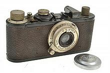 LEICA STANDARD NO. 123418 (1934) WITH ELMAR 3.5 LENS AND ER CASE CONDITION: 5 (CASE SHOWING SIGNS OF WEAR)