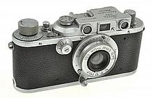 LEICA III B NO. 317239 (1939) WITH ELMAR 3.5 LENS AND ER CASE, CONDITION: 5