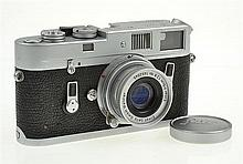 LEICA M4 NO. 121093 (1968) WITH ELMAR 2.8 NO 1452045 LENS (1956), CONDITION: 4 (CASE SHOWING SIGNS OF WEAR)