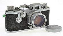 LEICA IIIF NO. 690427 (1954) WITH BLACK DIAL, SUMMICRON 2.0 LENS (1956) AND LENS CAP, CONDITION: 7 (SHUTTER STICKING)