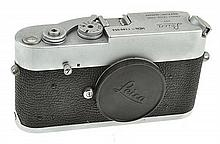 LEICA MDA NO. 1260054 (1975) WITH ER CASE, CONDITION: 5 (CASE SHOWING SIGNS OF WEAR)