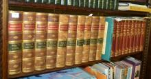 A SHELF CONTAINING 10 VOLUMES OF THE CHAMBERS'S ENCYCLOPAEDIA, 10 VOLUMES OF THE CHILDREN'S ENCYCLOPAEDIA AND THE ILLUSTRATED LONGIT.
