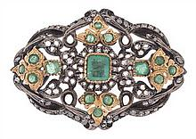 AN ANTIQUE EMERALD AND DIAMOND BROOCH