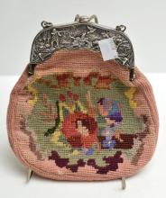 A STERLING SILVER PURSE WITH EMBROIDERY, C.1906