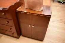 A FRENCH ART DECO DRINKS CABINET