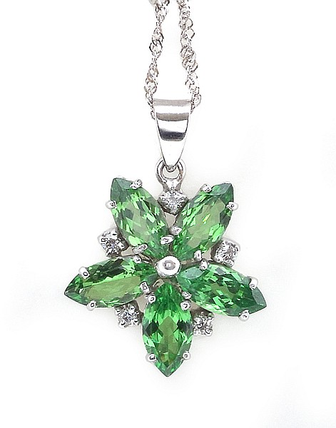 A TSAVORITE GARNET AND DIAMOND PENDANT