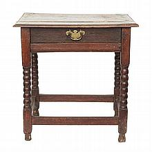 AN 18TH CENTURY ENGLISH OAK SIDE TABLE
