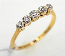 AN ANTIQUE OLD CUT DIAMOND RING, STAMPED 18CT GOLD AND PLATINUM