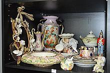 COLLECTION OF ASSORTED 19TH CENTURY AND LATER PORCELAIN, INCLUDING ROYAL CROWN DERBY AND A VICTORIAN VASE WITH GRIFFIN LUGS (A/F)