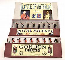 3 X BRITAINS SETS (INCLUDING 1 MODERN BRITAINS SET 148); 77 GORDON HIGHLANDERS;