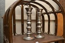 A PAIR OF PEWTER CANDLESTICK HOLDERS (85% PURE PEWTER)