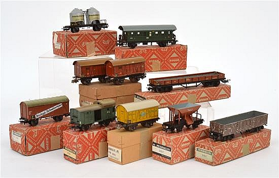 COLLECTION OF MARKLIN (GERMANY) ROLLING STOCK INCLUDING 1ST 382; 310; 2ST 381; 308/1; 2ST 4502; 391; AND OTHERS (F-M BOXES VG-E) (9)