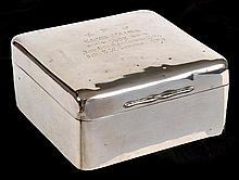 A LATE VICTORIAN STERLING SILVER PRESENTATION CIGARETTE BOX  10 x 5 x 9.5cm
