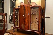 ART DECO THREE DOOR CRYSTAL CABINET, WITH TWO ASTRAGAL GLAZED SIDE DOORS