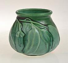 SMALL MELROSE GUMLEAF POT, 8.5CM TALL
