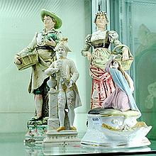 A GROUP OF THREE CONTINENTAL PORCELAIN FIGURES (A/F)