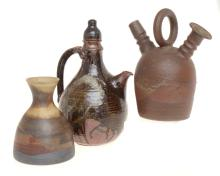 A COLLECTION OF STONEWARE INCLUDING PHYL DUNN