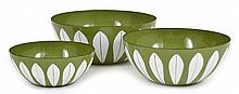 THREE CATHRINEHOLM (NORWEGIAN) LOTUS ENAMEL NESTING BOWLS