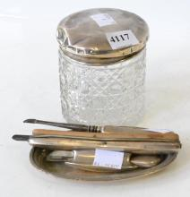 A COLLECTION OF STERLING SILVER INCLUDING MANICURE ITEMS