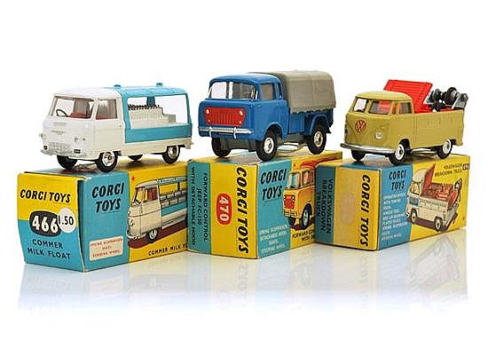 CORGI COMMERCIAL VEHICLES INCLUDING 466; 470; AND 490 (E-M BOXES G-E) (3)