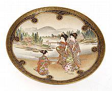 IMPRESSIVE JAPANESE SATSUMA PLATE WITH GEISHA SCENE, SIGNED KINKOZAN, 15CM DIA