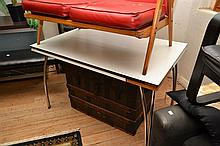 A 1960'S LAMINEX DINING TABLE (A/F, SOME LOSSES TO EDGE)
