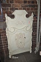 AN ORNATE 19TH CENTURY CAST IRON SINGLE BED FRAME (LOSSES)