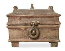 A BRONZE CASKET, PROBABLY SOUTH ASIAN DECCAN 16TH CENTURY