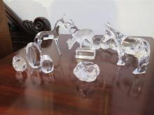 A COLLECTION OF ART GLASS FIGURINES