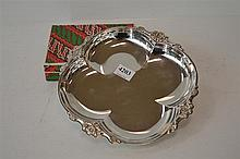 BOXED SET OF INDONESIAN SILVER COFFEE SPOONS AND OTHER BOWL