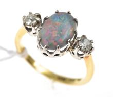 A VINTAGE OPAL AND DIAMOND RING, IN 18CT GOLD