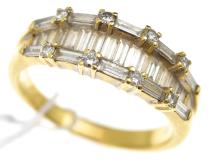 A DIAMOND DRESS RING IN 18CT GOLD