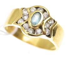 AN AQUAMARINE AND DIAMOND DRESS RING IN 18CT GOLD