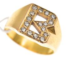 A DIAMOND RING IN 22CT GOLD