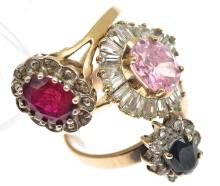THREE STONE SET RINGS, INCLUDING SAPPHIRE, IN GOLD