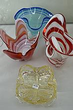 A GROUP OF FOUR ART GLASS VASES INCL. HANDKERCHIEF, BASKET, ETC.