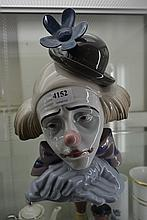 LLADRO CLOWN BUST WITH FLORAL BOWLER HAT