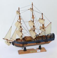 TWO SHIP MODELS, INCL QUEEN MARY